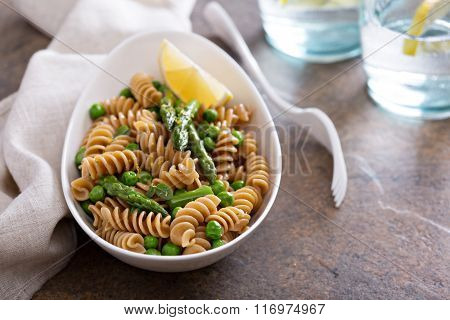 Whole wheat pasta with peas and asparagus