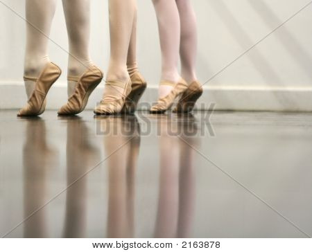 Ballet Dance - The Art Of Stretching