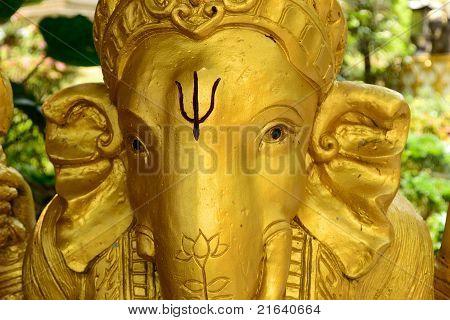 Estatua dorada de Ganesh
