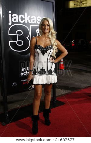LOS ANGELES - APR 10:  Maryse Ouellet (WWE Diva) at the Jackass 3D premiere held at Grauman's Chinese Theater in Los Angeles, California on April 10, 2010