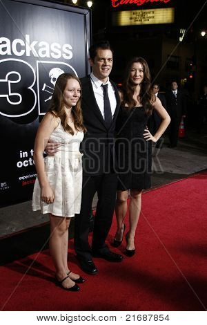 LOS ANGELES - APR 10: Johnny Knoxville, wife Naomi Nelson, daughter Madison (l) at the Jackass 3D premiere held at Grauman's Chinese Theater in Los Angeles, California on April 10, 2010