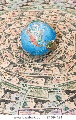 Globo en dólares estadounidenses.