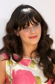 LOS ANGELES - JUL 10:  Zooey Deschanel arriving at the