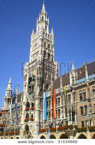 Munich city hall with Glockenspiel