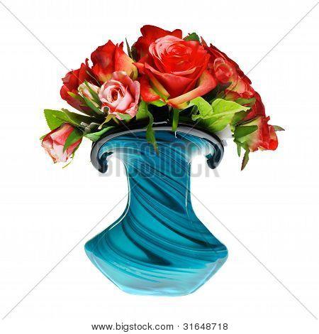 ramo de rosas rojas en el florero