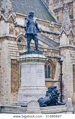Oliver Cromwell Statue At London, England