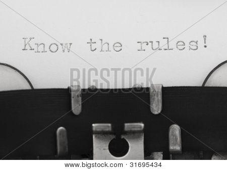 Conocer las reglas, masaje en la máquina de escribir