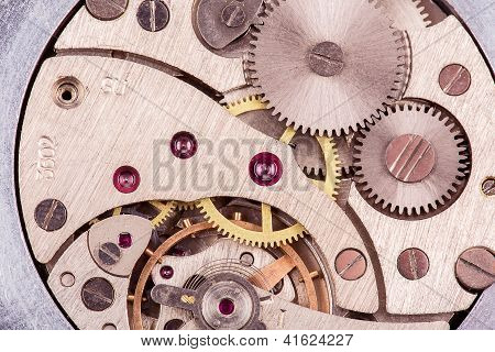 Automatic Clock Mechanism