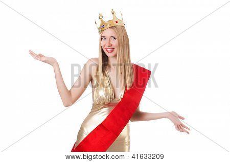 Reina de la belleza en el concurso aislado en blanco