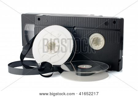 zwei Videokassetten und reel