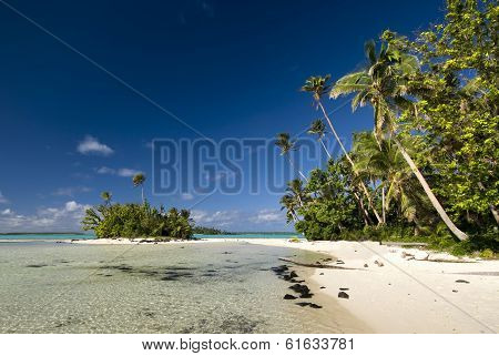 Small tropical island connected to main island. Site of Survivor Cook Islands, Aitutaki