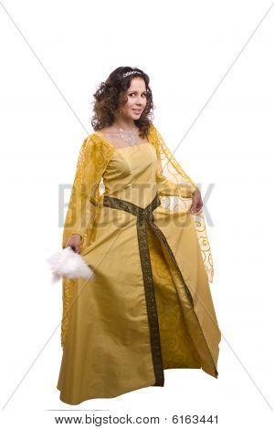 Mulher de trajes de princesa