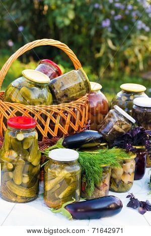 Home Canning, Canned Vegetables Outdoors