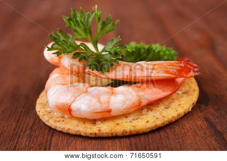 Shrimp saltine cracker
