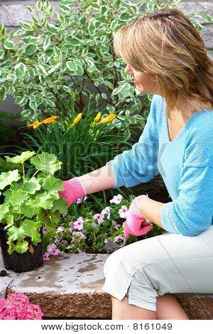 Mujer jardinería