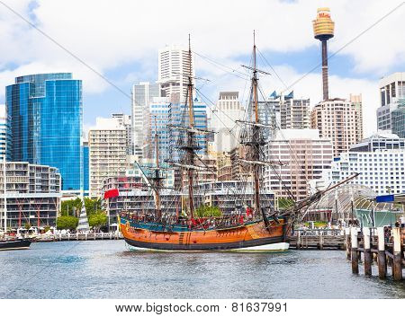 SYDNEY, AUSTRALIA-DEC 24,2014: A splendid replica of James Cook's HMS Endeavour, moored alongside the Australian National Maritime Museum in Darling Harbouron Dec 24, 2014 in Sydney, Australia.