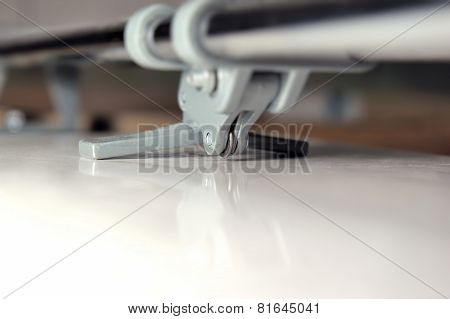 Close-up Tile Cutter