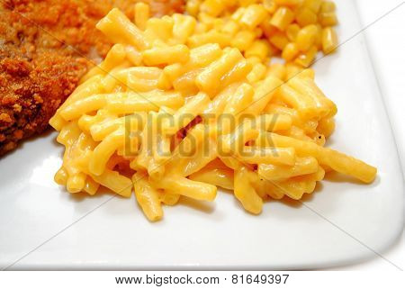 Creamy Macaroni & Cheese Served On A Plate