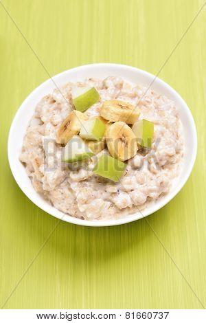 Oatmeal Porridge With Fruit Slices