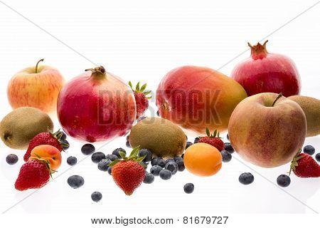 Assorted Fruit With Multivitamin Powers