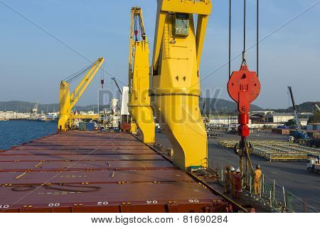 Worker Loading With Ship Port