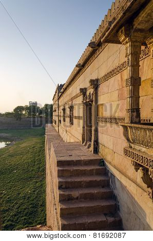Sarkhej Roza Mosque In Ahmedabad, Gujarat