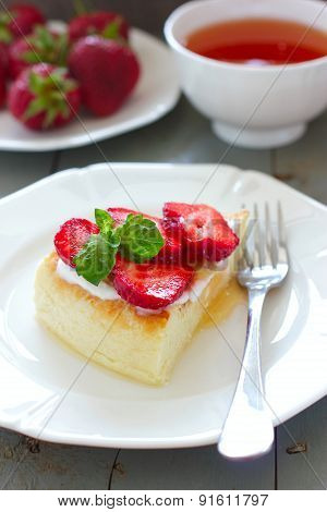Law-fat Cheesecake With Strawberries And Honey