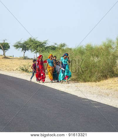 Unidentified Girls On Their Way To The Pushkar Fair