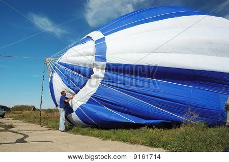 Pilot Is Preparing For The Launch Balloon In The Air,first Odessa's Balloon Festival September 11 ,2