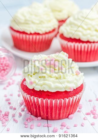 Red Velvet Cupcakes With Ricotta Cheese Frosting