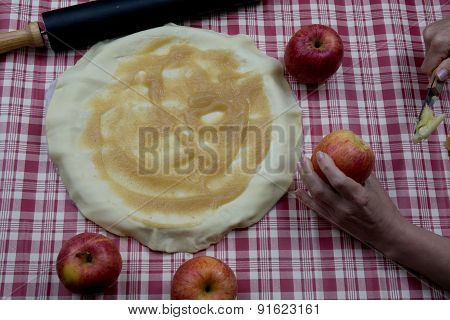 Homemade Apple Raw Pie Preparation- Apple Pie