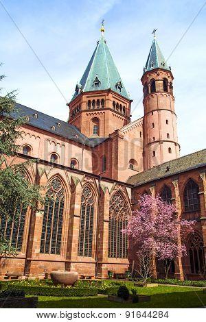 Beautiful Dome In Mainz