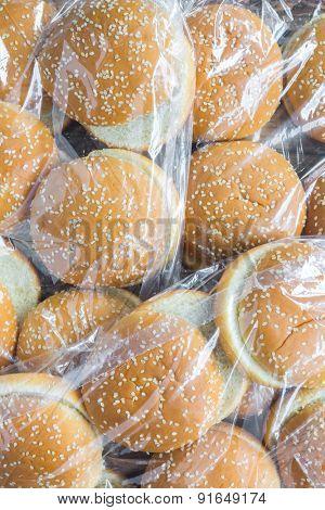 A pack of hamburger buns
