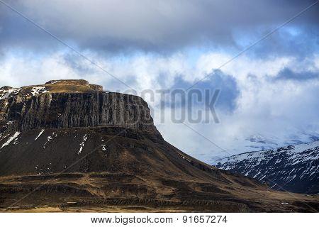 Impressiv Volcanic Mountain In Iceland