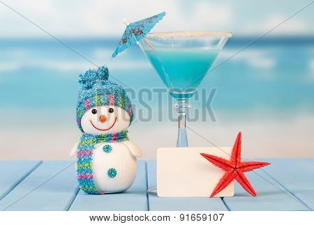 Cocktail, blank card and starfish