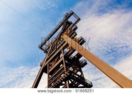 Miner oil rig tower