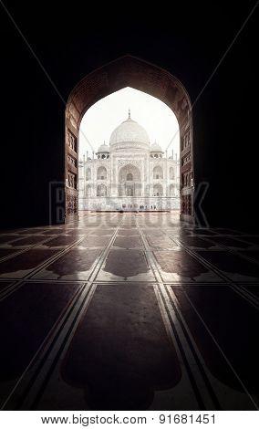 Taj Mahal In Black Arch