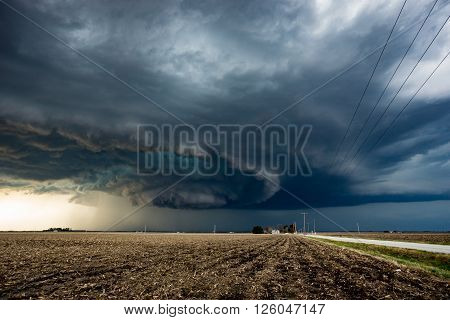 A tornado warned supercell thunderstorm rages in Illinois in Spring 2016.