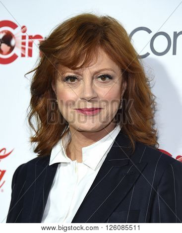 LOS ANGELES - APR 14:  Susan Sarandon arrives to the Cinema Con 2016: Awards Gala  on April 14, 2016 in Las Vegas, NV.