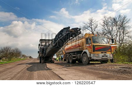 work road milling machine for removing asphalt