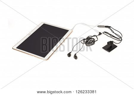Wired Microphone And Listening System Connected To A Powered-on Tablet