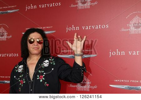 LAS VEGAS - APR 17:  Gene Simmons at the John Varvatos 13th Annual Stuart House Benefit at the John Varvatos Store on April 17, 2016 in West Hollywood, CA