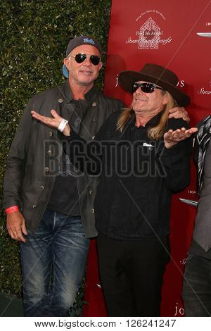 LAS VEGAS - APR 17:  Chad Smith, Robin Zander at the John Varvatos 13th Annual Stuart House Benefit at the John Varvatos Store on April 17, 2016 in West Hollywood, CA