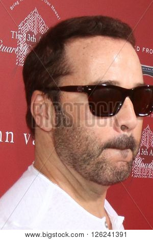 LAS VEGAS - APR 17:  Jeremy Piven at the John Varvatos 13th Annual Stuart House Benefit at the John Varvatos Store on April 17, 2016 in West Hollywood, CA
