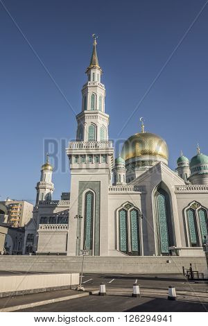 Moscow Cathedral Mosque - the main mosque in Moscow one of the largest and highest mosque in Russia and in Europe.