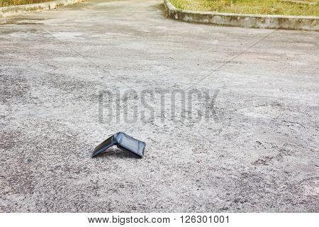 Black Wallet Drop On The Road, Missing Or Lost Pocket