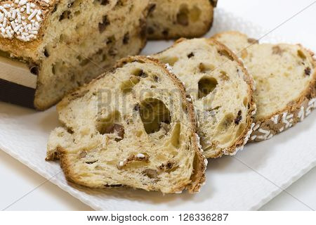 cake flour stuffed with walnuts and chestnuts covered with sugar grain