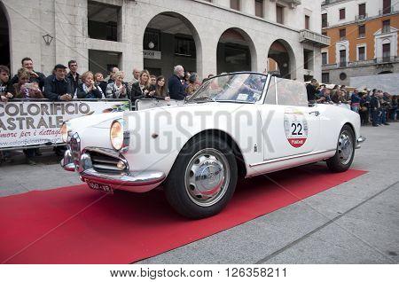 BRESCIA, ITALY - APRILE 17, 2016:500 Miglia. Finish. ALFA ROMEO GIULIETTA 750/101 SPIDER, 1960 built