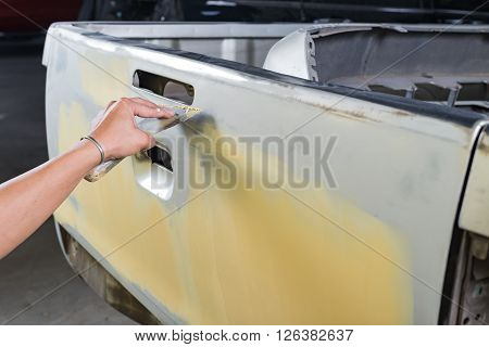 Auto body repair series : Working on putty
