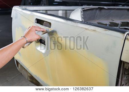 Auto body repair series : Working on putty